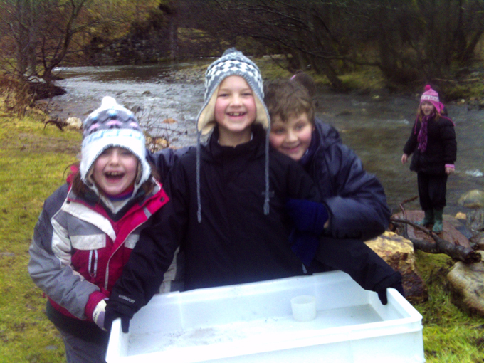 Mortlach Story Walks - Water testing with Spey Fisheries Board